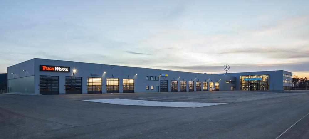 neues nutzfahrzeugzentrum von mercedes benz in mannheim er ffnet krafthand truck. Black Bedroom Furniture Sets. Home Design Ideas