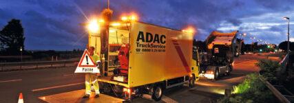 Fliegl und ADAC Truck-Service unterzeichnen neuen Fünfjahresvertrag
