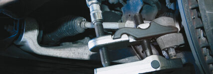 KS Tools: Kugelzapfen universell ausdrücken mit hydraulischem Werkzeug