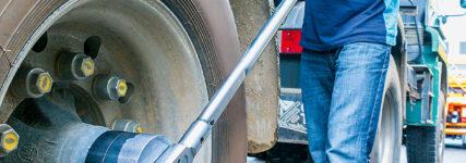 Zapfen- und Steckschlüssel von Hazet für Lkw- und Trailerachsen