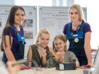 Girls' Day bei VW-Nutzfahrzeuge: 200 Schülerinnen testen Technik in  Hannover