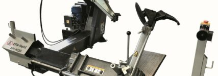 Neue Reifenservicegeräte vor neuer Kulisse
