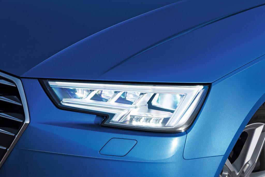 Frontscheinwerfer Audi